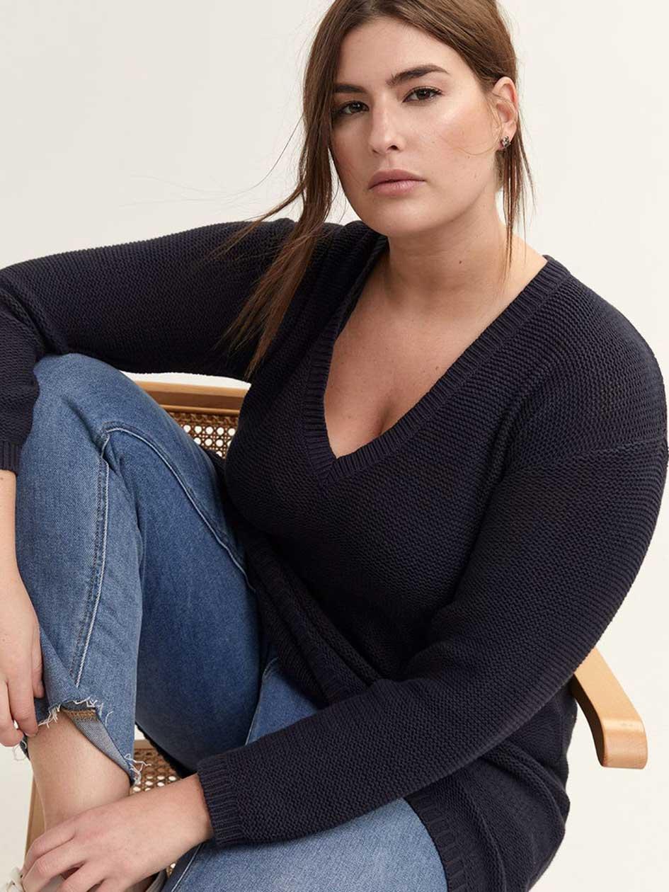 fcf94cf2b8e Wide V-Neck Tunic Sweater - L L
