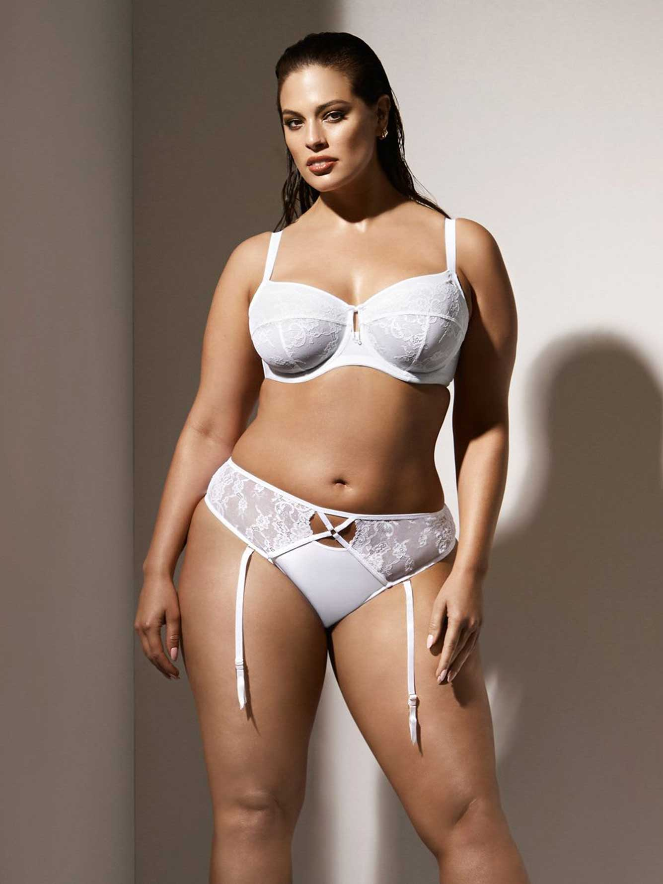 Fappening Pictures Ashley Graham naked photo 2017