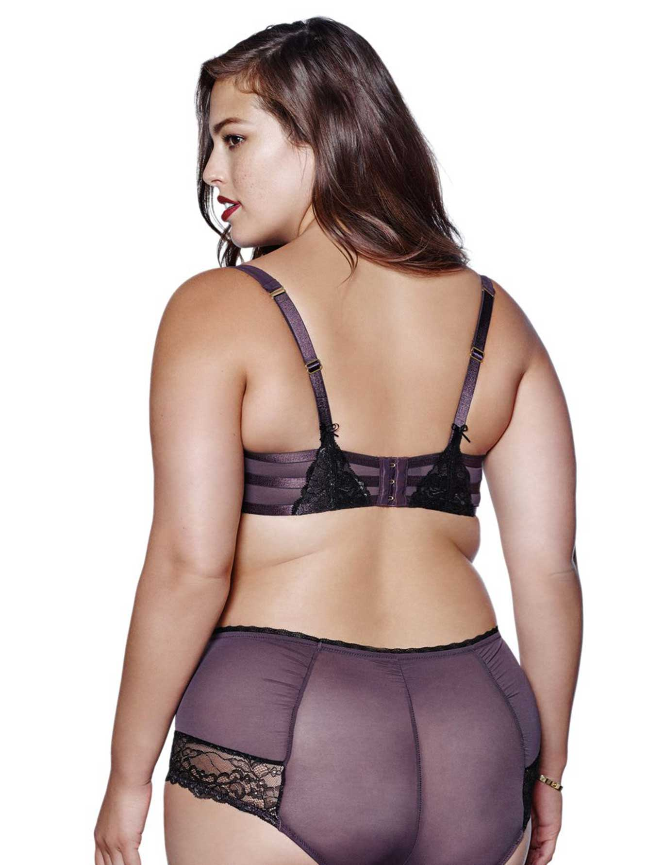 Lane Bryant leads the plus-size fashion field in style and price with Lane Bryant promo codes and discounts. Women searching for trendy and stylish clothing in sizes 14 and up choose to shop at one of Lane Bryant's U.S. retail stores, or online at healthpot.ml