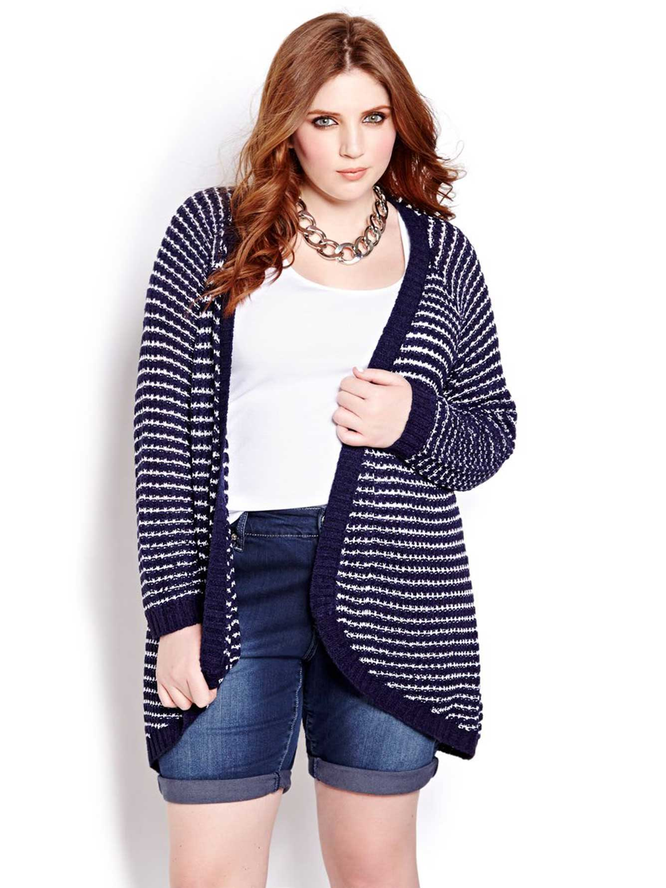 From Cardigans and Crew Neck Sweaters to V-Neck and Off The Shoulder Sweaters, you'll be ready for the cold weather in our soft and cozy Sweaters & Cardigans for Women at American Eagle.