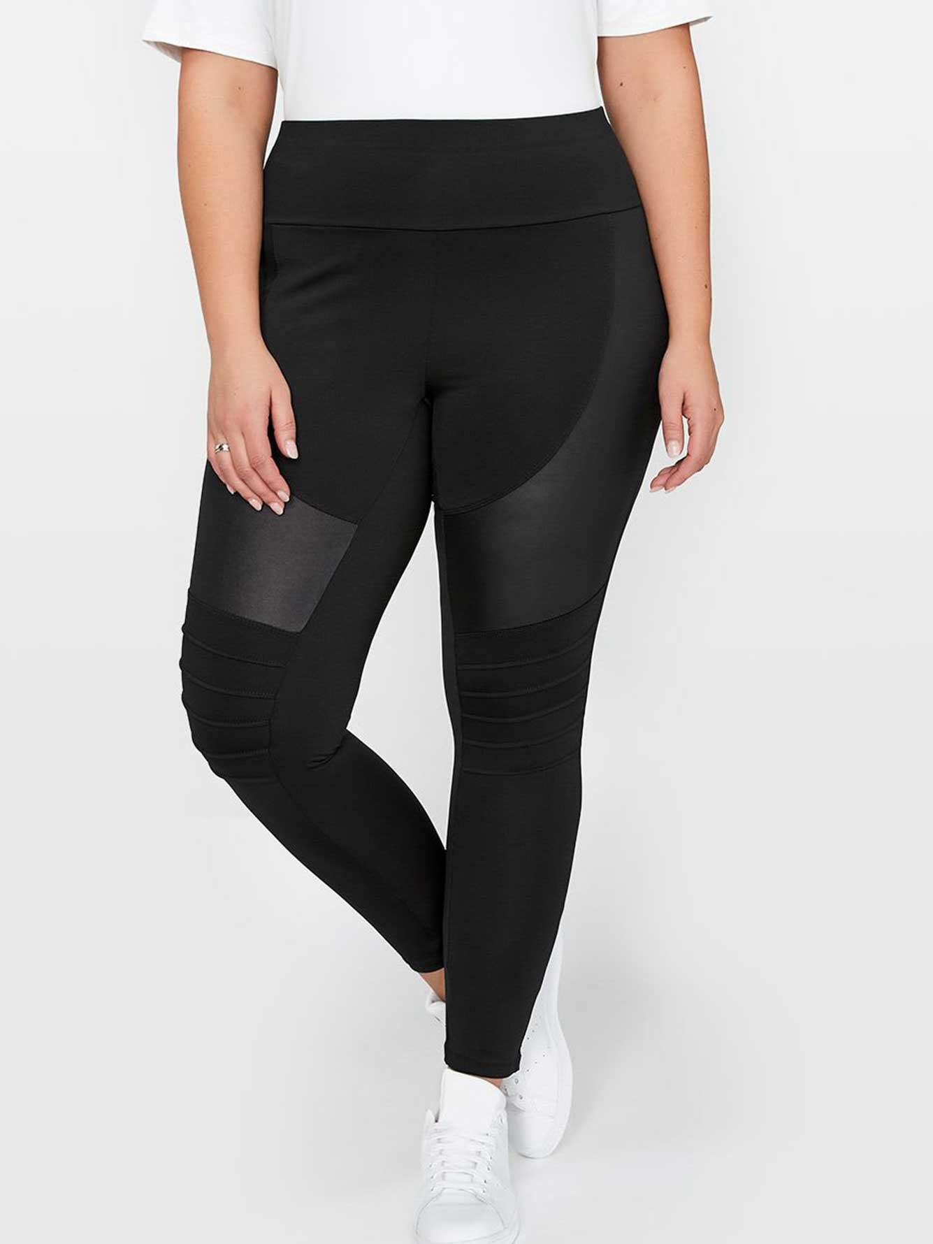 cd46b845df51b Nola x Jordyn Woods Moto Legging | Addition Elle