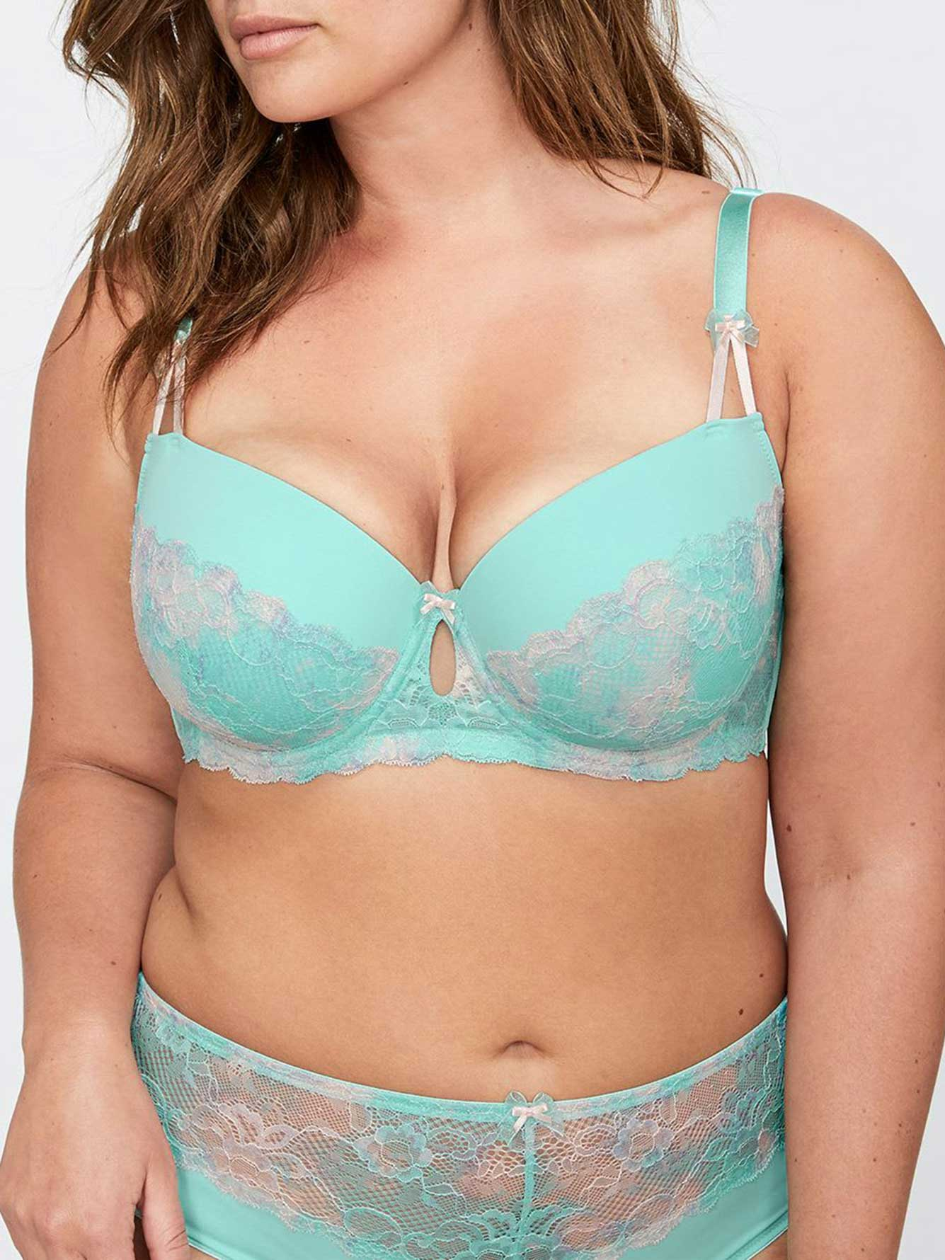 Vixen Balconet Bra with Lace - Déesse Collection