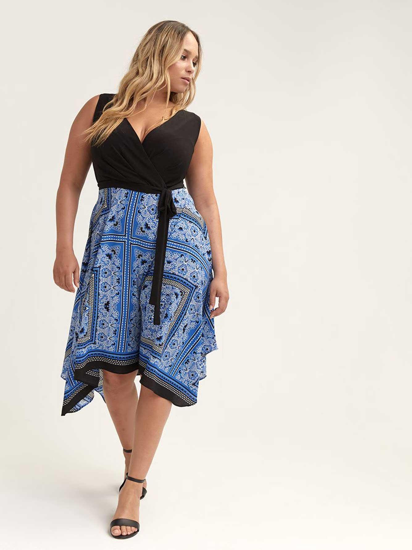 1aa229f5752 Robe ajustée et évasée imprimé foulard - Michel Studio