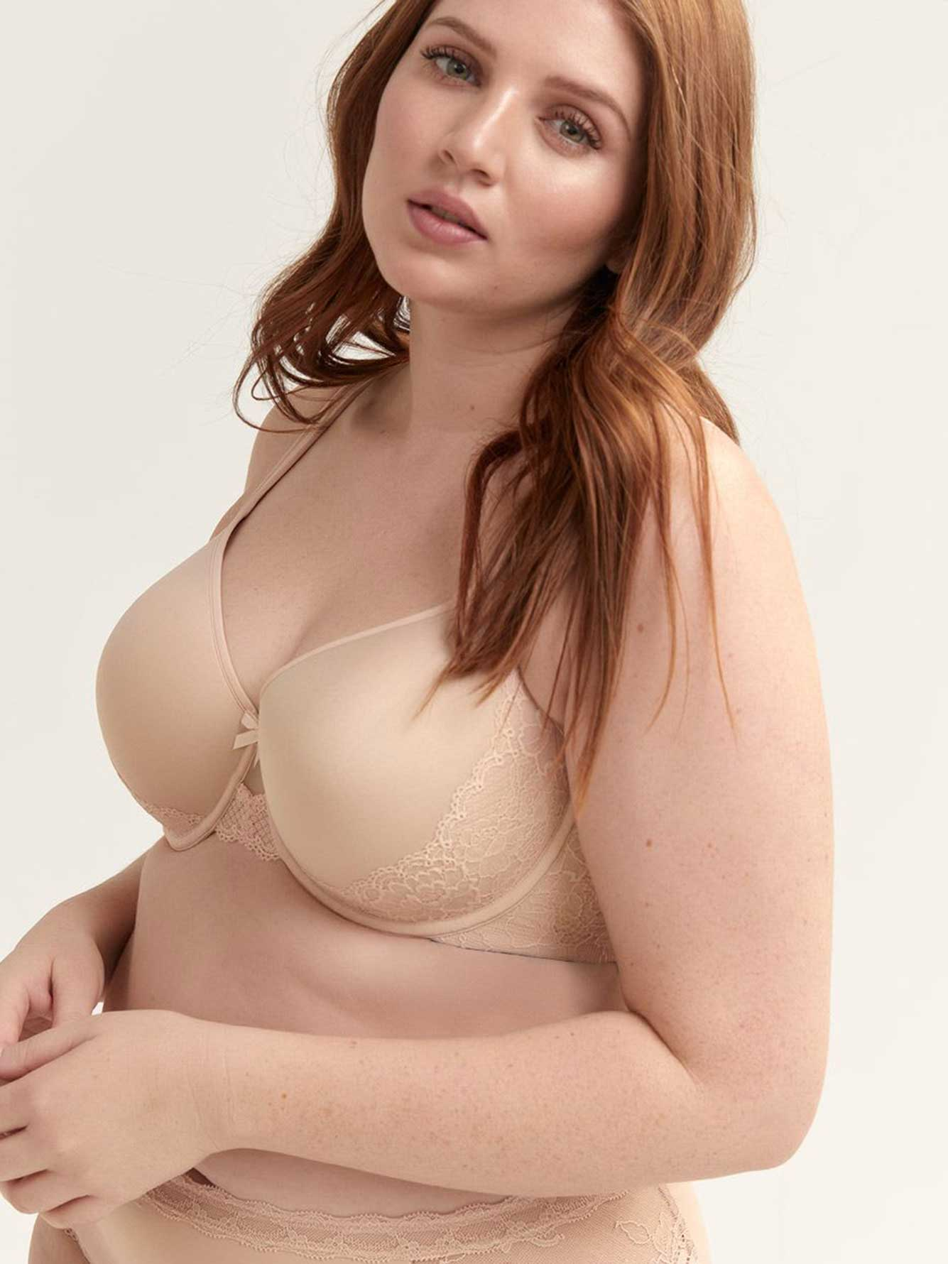 Lace Embellished Memory Foam Bra - Déesse Collection