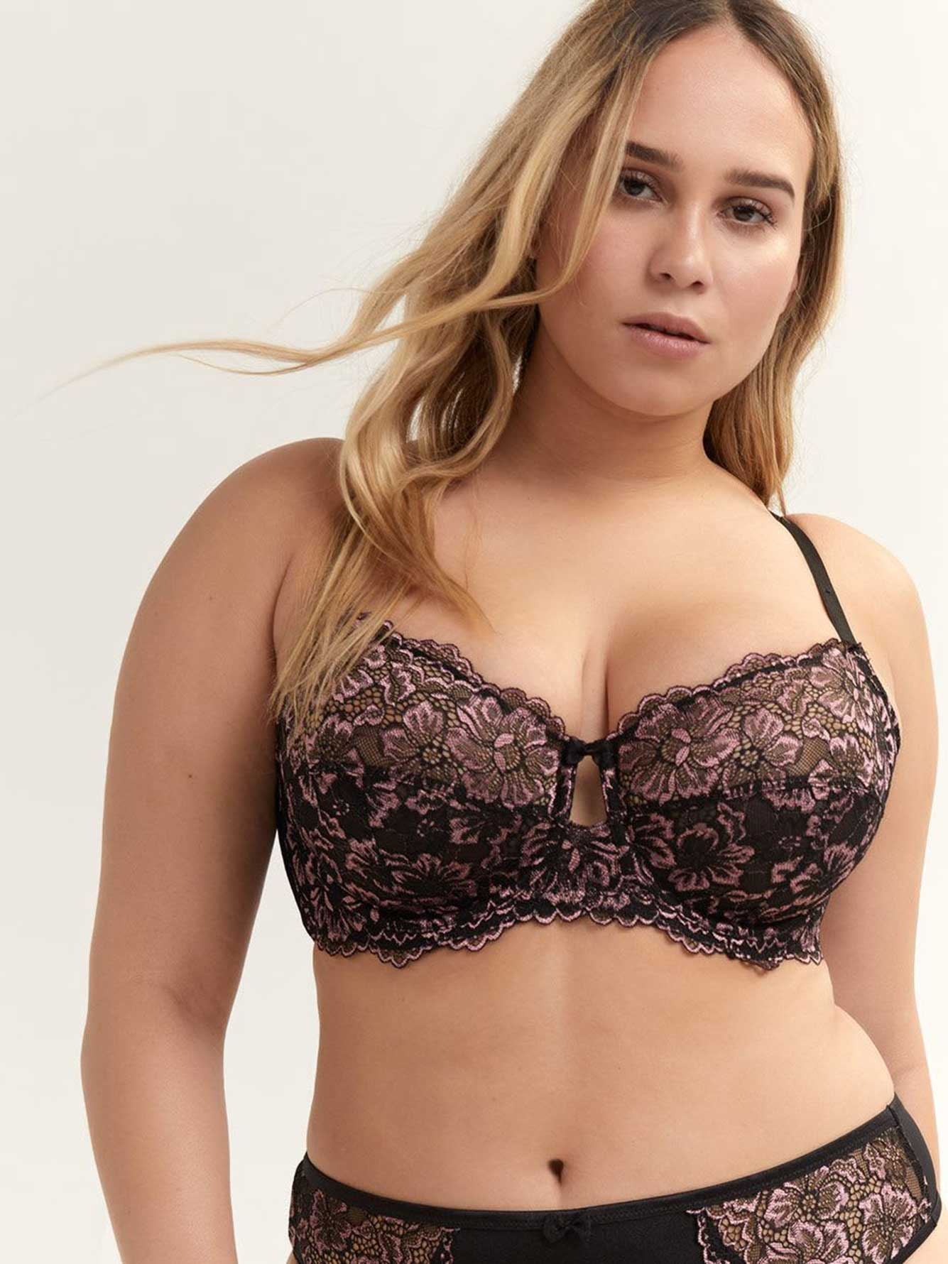 Cross Dye Lace Femme Couture Bra - Déesse Collection.