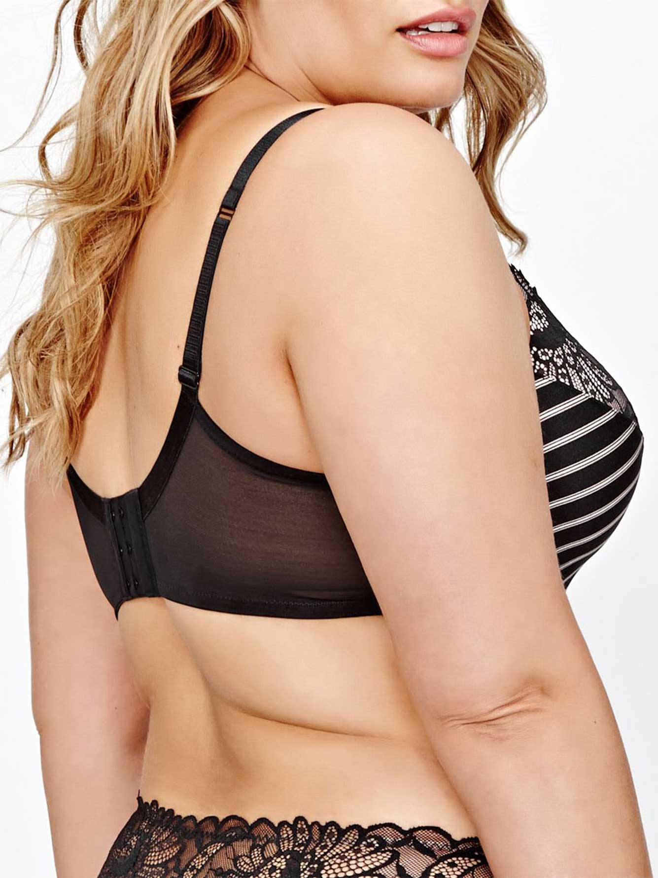 Contour Flirt Bra with Stripes and Lace - Déesse collection