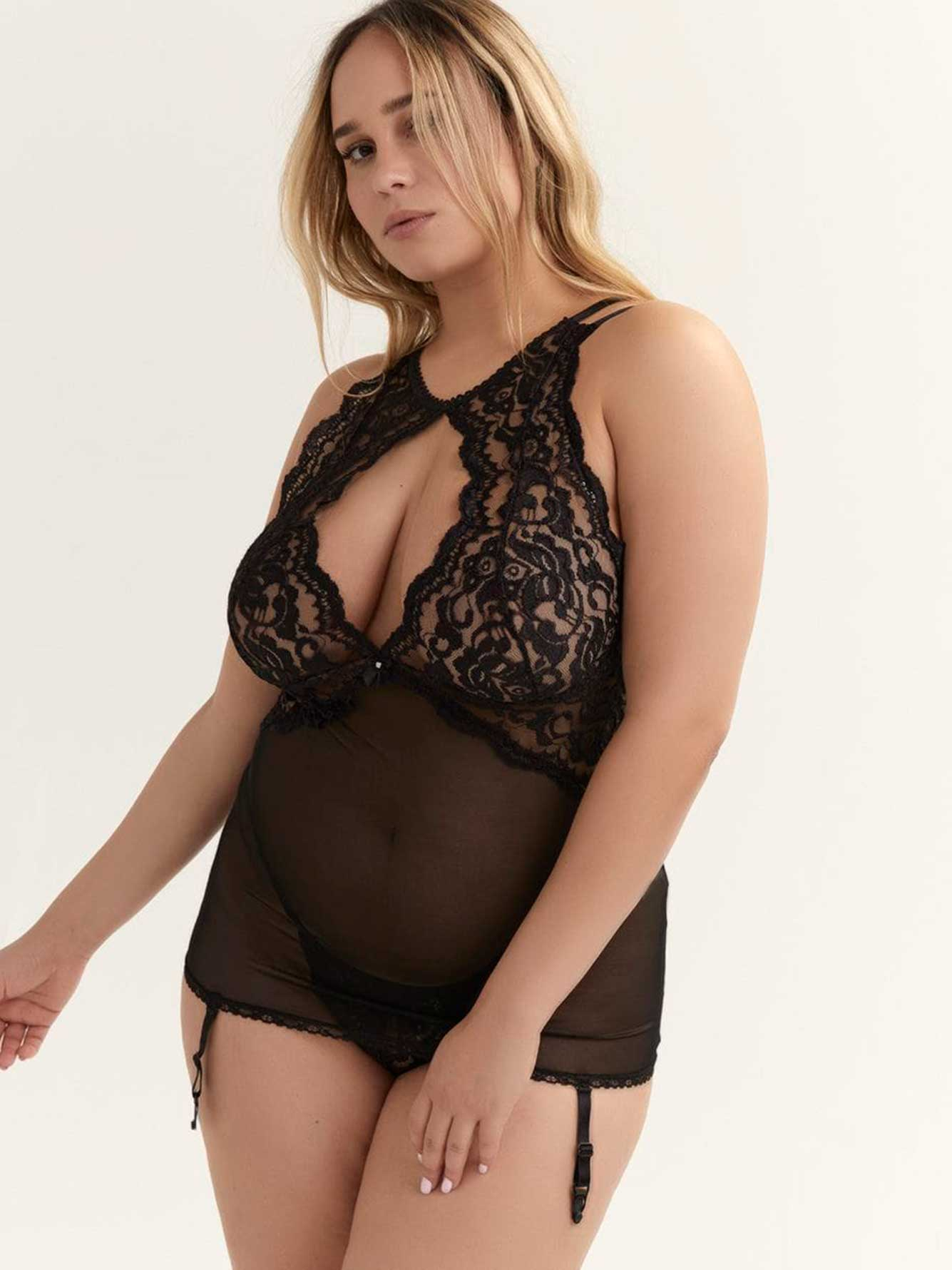 e033b19a472a Sexy Lace & Mesh Garter Chemise - Shirley of Hollywood | Addition Elle