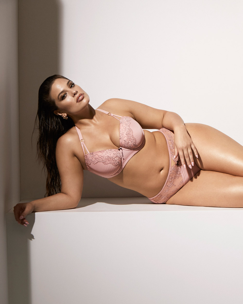 Ashley Graham Showstopper bra with matching panty