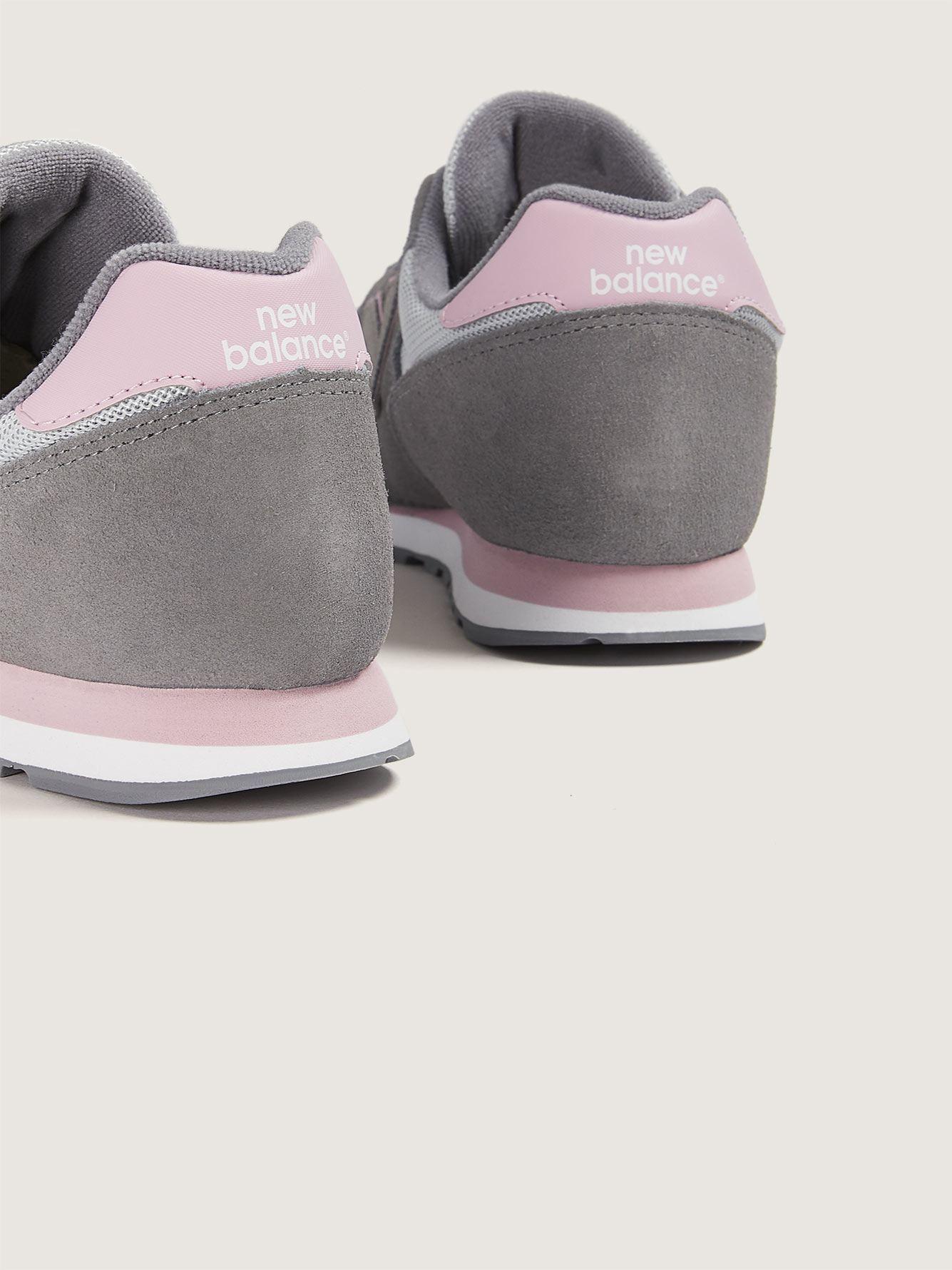 Nouveau tableau de chaussures large balance