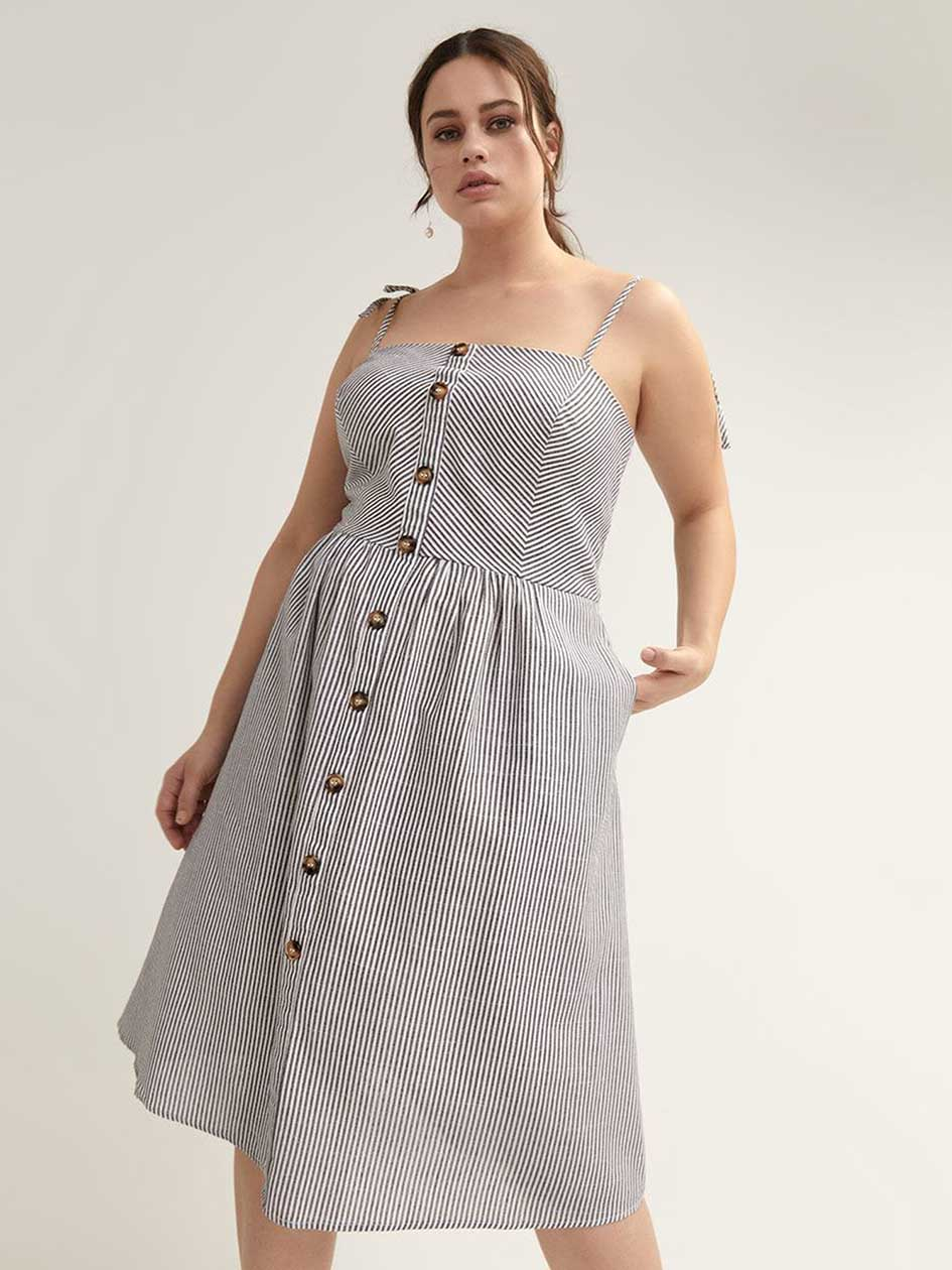 a80bc54a3 Button-Front Sleeveless Dress - City Chic