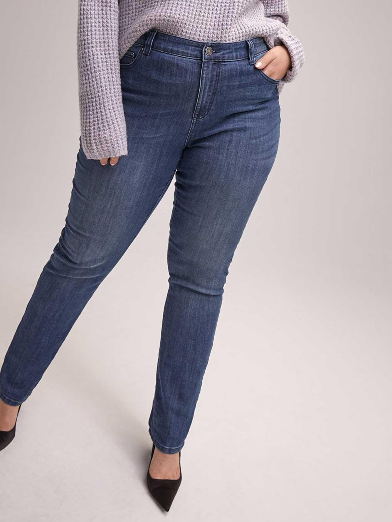 green-petite-straight-leg-jeans-gamer-girl-cumshot-gif