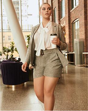 Blazer et short en lin avec blouse lavallière