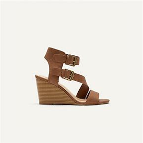 Sandales à semelles compensées