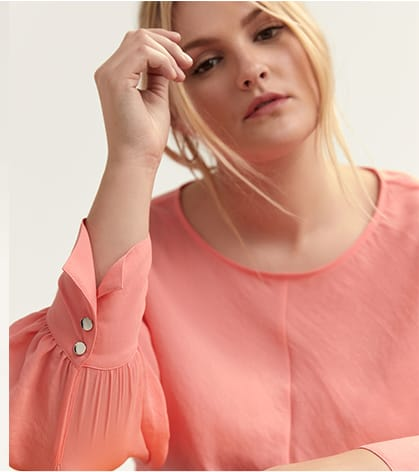 Knotted Blouse with Puffy Sleeves